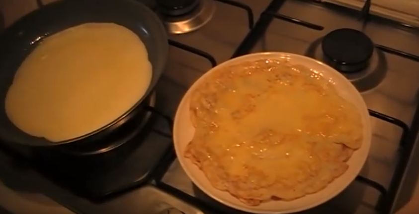 Блины на кефире: рецепты тонких блинчиков с дырочками