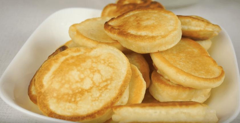 Как приготовить пышные оладьи - 7 лучших рецептов с пошаговым описанием