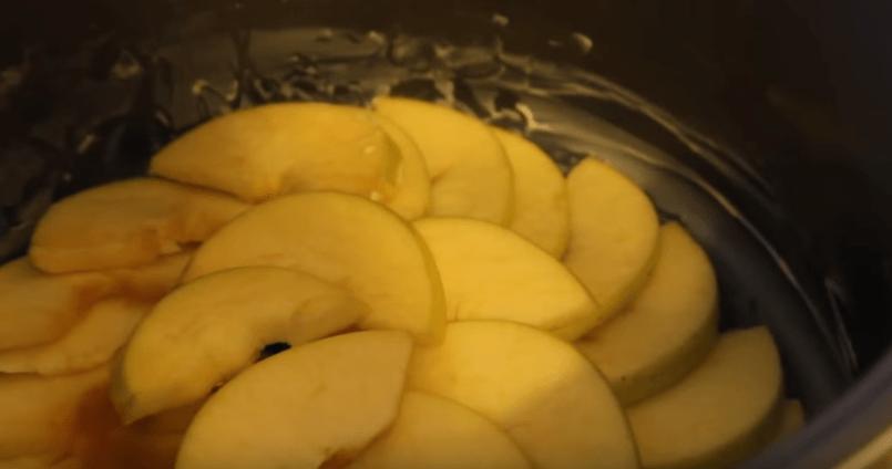 Как легко приготовить шарлотку