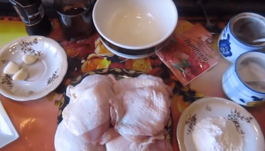 Куриные бедра в духовке - 10 рецептов бедрышек с хрустящей корочкой