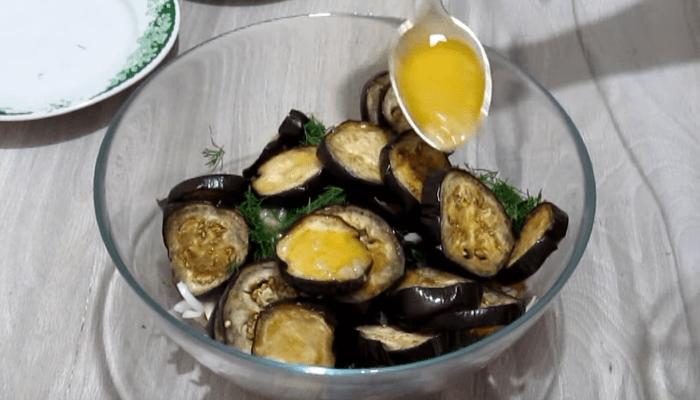 Овощной салат с жареными баклажанами - рецепт пошаговый с фото