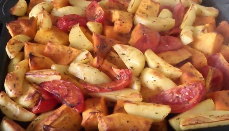 Творожная запеканка с тыквой в духовке, мультиварке и сковороде