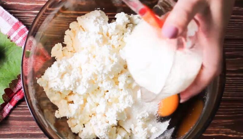 Пошаговый рецепт приготовления оладий с творогом