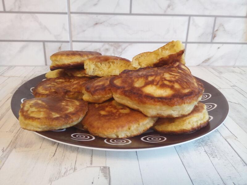 Пышные оладьи на кефире с яблоками — лучший пошаговый рецепт