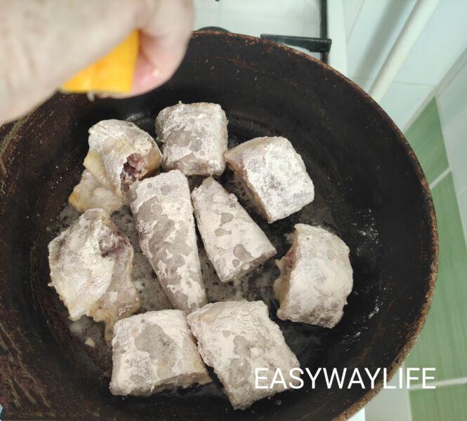 Приготовление минтая с луком рис 1