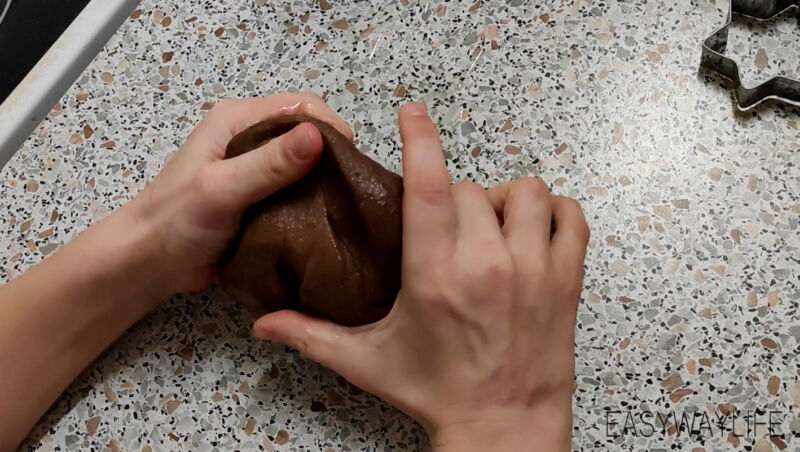 Раскатывание теста для печения без глютена рис 1
