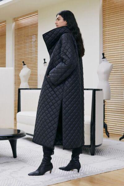 Стёганое демисезонное женское пальто рис 1