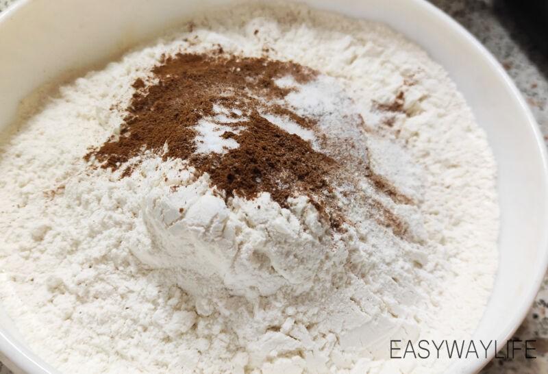 Смешивание ингредиентов для торта рис 2