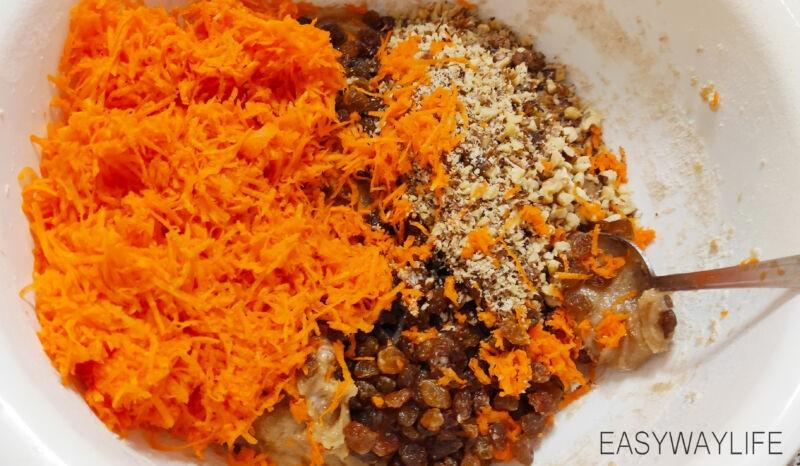 Замешивание теста и запекание коржей для домашнего морковного торта рис 1