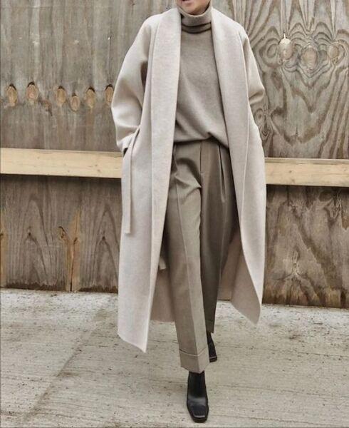 Вариации воротников и карманов в демисезонном женском пальто рис 3