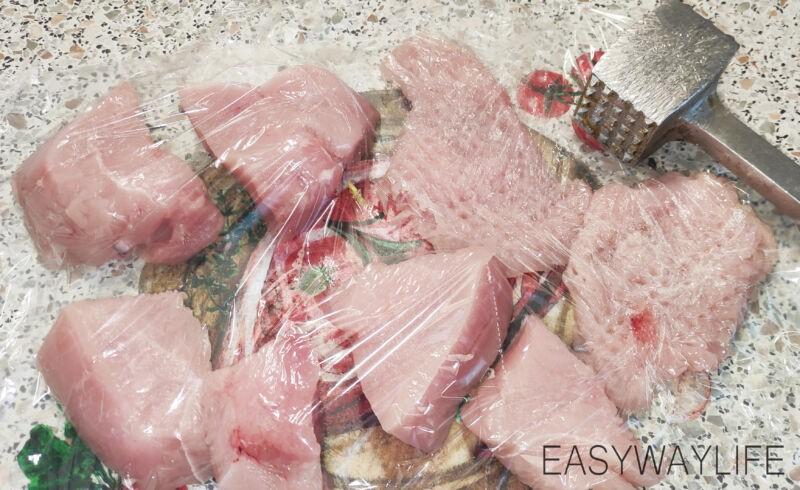 Подготовка мяса для отбивных из индейки рис 1