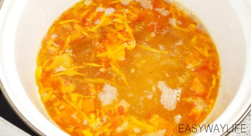Смешивание продуктов в супе рис 1