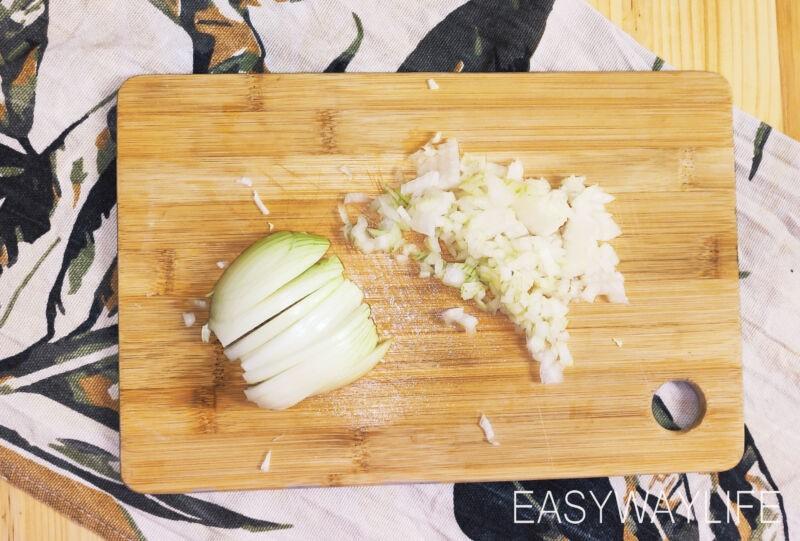 Подготовка овощей и риса для ленивых голубцов рис 2