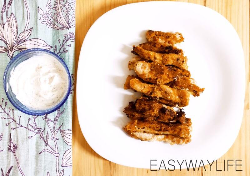 Приготовление панировки и обжаривание куриных палочек рис 2