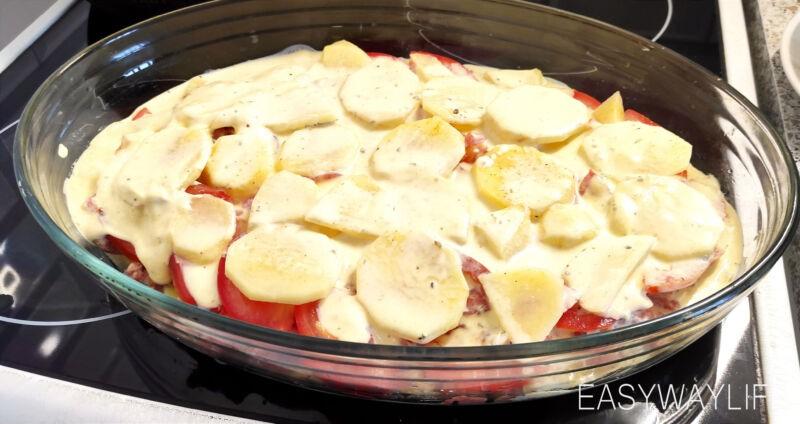 Запекание запеканки из фарша и картофеля в духовке рис 2