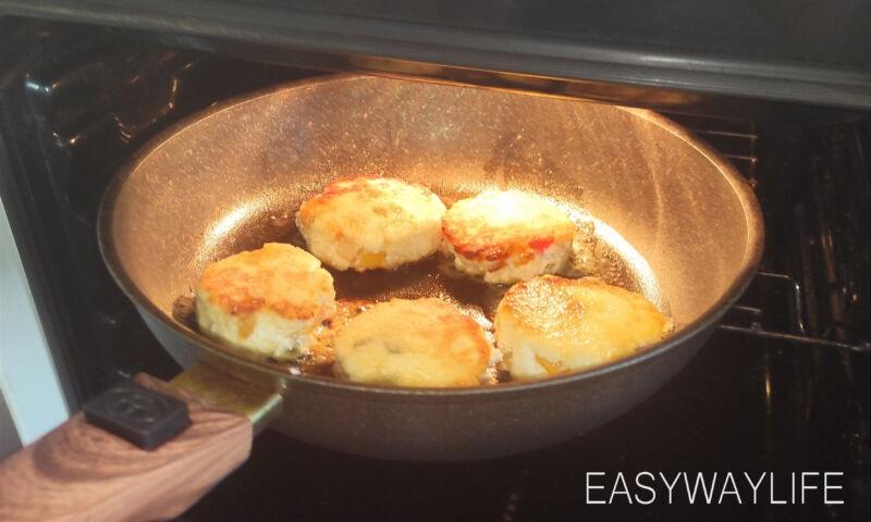 Формирование сырников с лимонными дольками рис 3