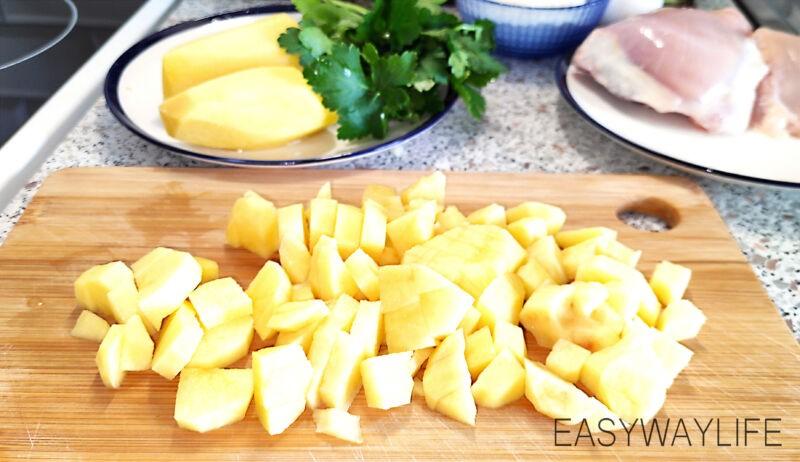 Подготовка овощей и мяса для куриного супа рис 4