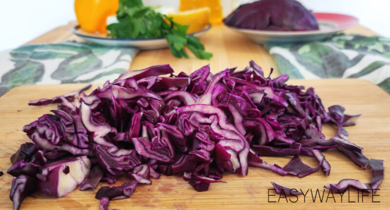 Нарезка продуктов для салата рис 3