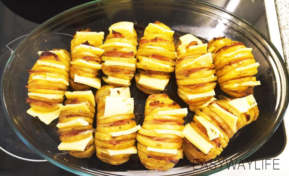 Начинка и запекание гармошки из картофеля рис 3